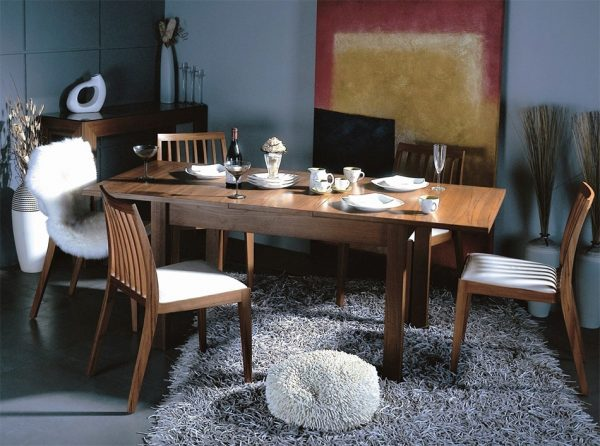 Beverly Hills Release Extension Dining Table