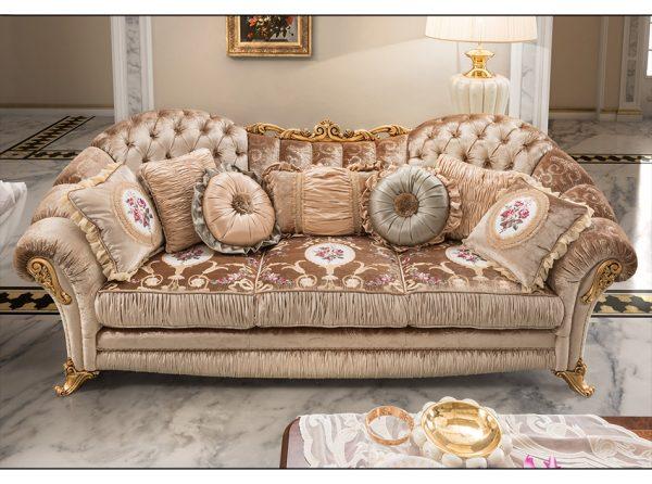 MobilPiu AIDA Classic Italian Sofa w/ Buttons